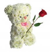 """Игрушка из цветов """"Белый мишка с розой"""""""