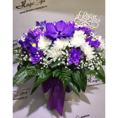 Цветы в коробке №019