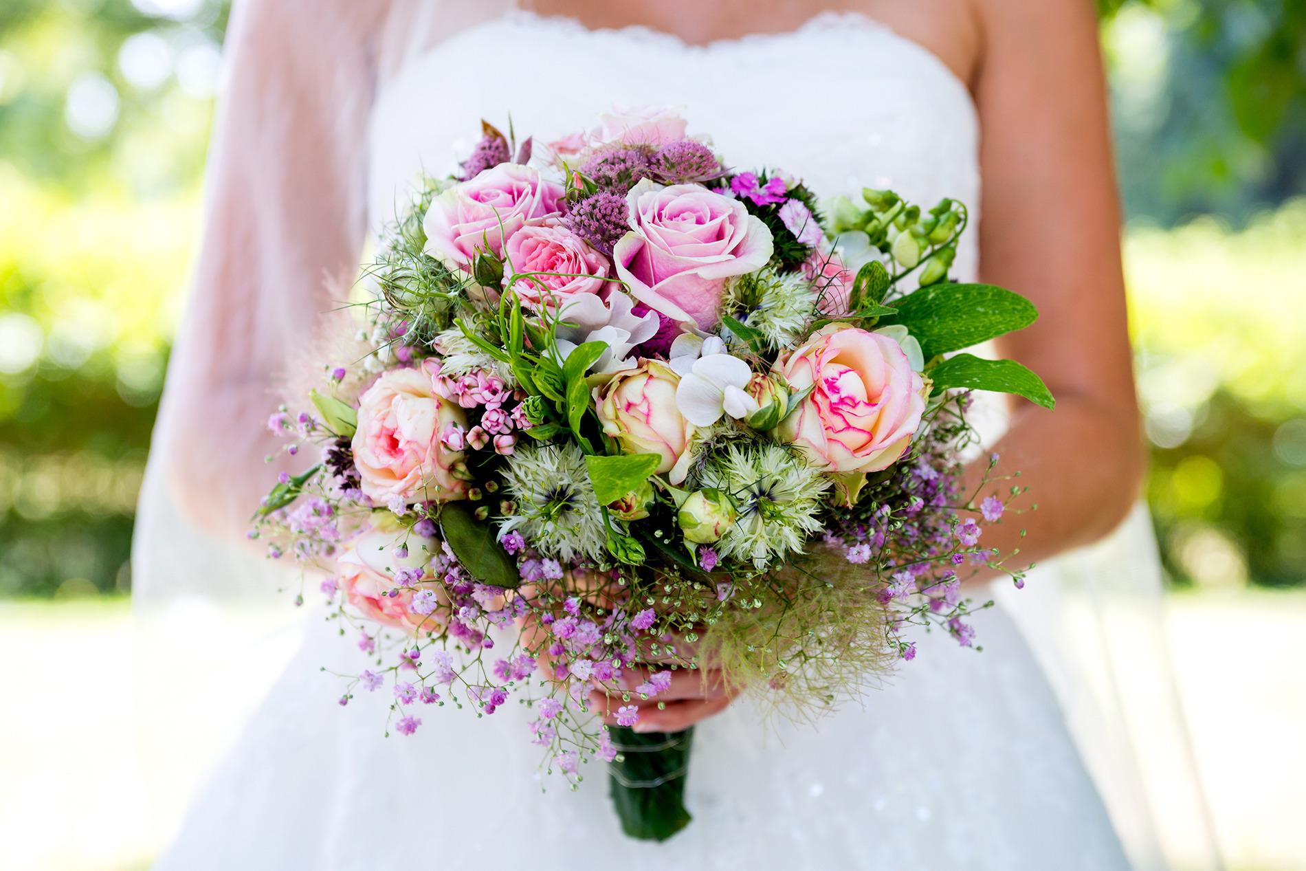 Купить цветы, какие цветы используют в свадебных букетах