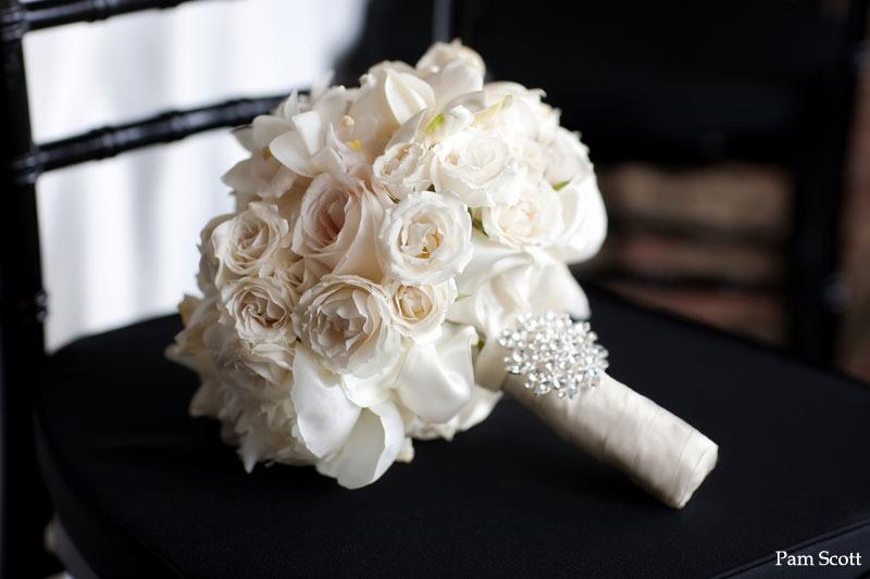 Свадебный, белый свадебный букет невесты запорожье